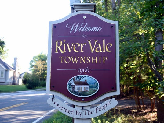 Webkey-River-Vale-sign