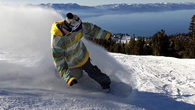 Dan Rich on Ridge Run at Heavenly, one of Tahoe's most scenic runs. taken 2/3/09.