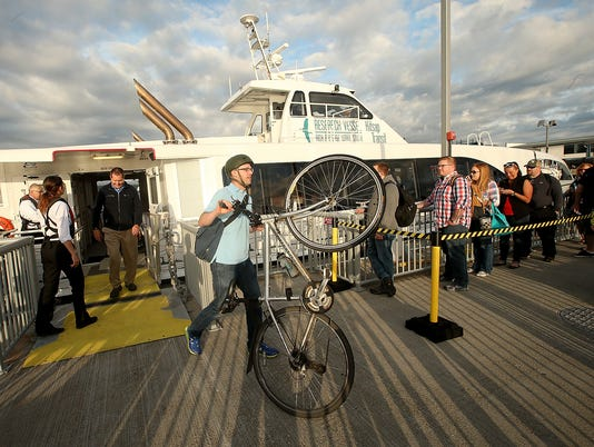 636352887937354419-Fast-Ferry-First-Run-20.JPG