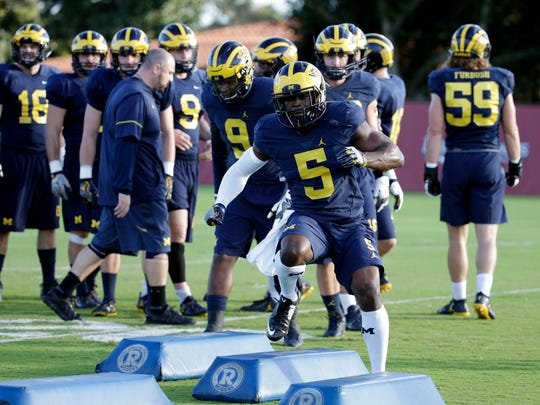 Michigan linebacker Jabrill Peppers (5) will be at this weekend's NFL Combine to prove he belongs