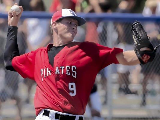 Pewaukee's Carl Renz throw no-hitter