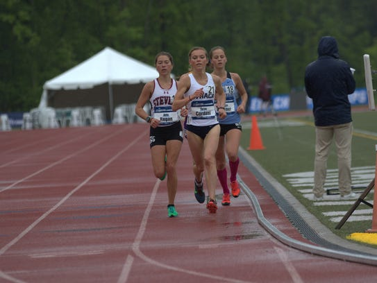 Taryn Cordani runs during the 2017 NCAA Division III