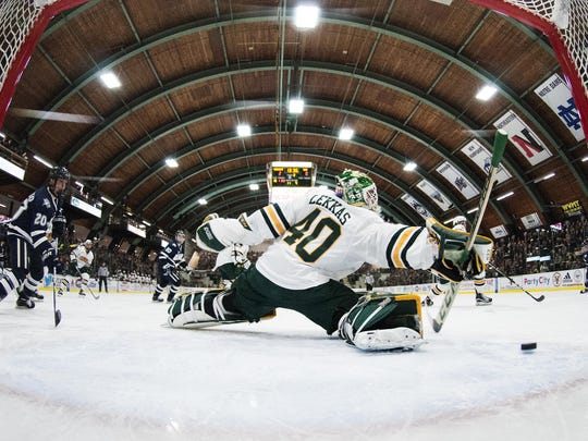 New Hampshire vs. Vermont Men's Hockey 02/10/17