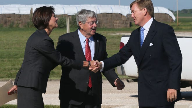 Iowa Lt. Gov. Kim Reynolds and Governor Terry Branstad greet His Royal Majesty King Willem-Alexader of the Netherlands as her arrives for the grand opening of POET-DSM's first commercial cellulosic ethanol plant in Emmetsburg, IA Wednesday, Sept. 3, 2014.