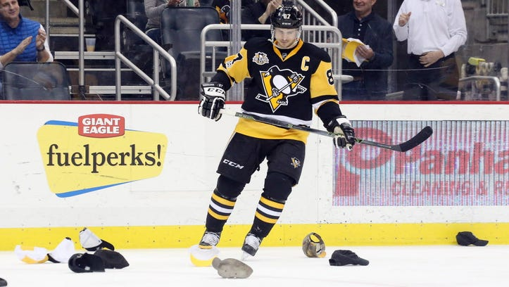 Sidney Crosby first to 40 goals with hat trick in Penguins' win over Panthers