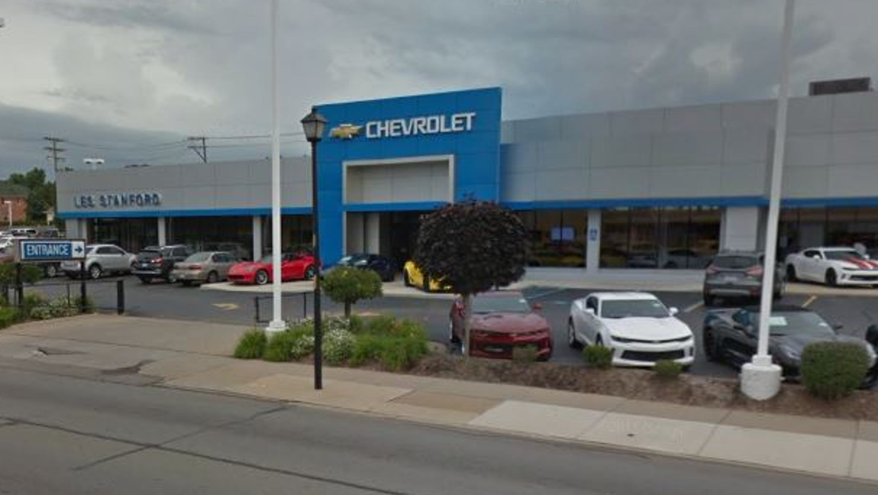 corvette thieves target les stanford chevrolet in dearborn. Black Bedroom Furniture Sets. Home Design Ideas