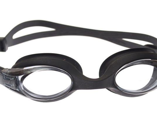 636022176000847538-swimming-goggles.jpg