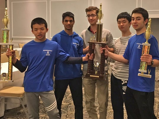 Edgemont-High-School-chess-team-2018.jpg