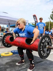 Jessa Rasey competes in the  Tampa Classic Strongman
