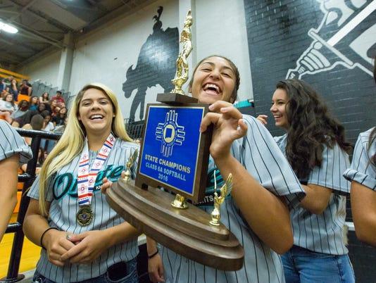 052316 - Oñate Softball State Title Celebration 1