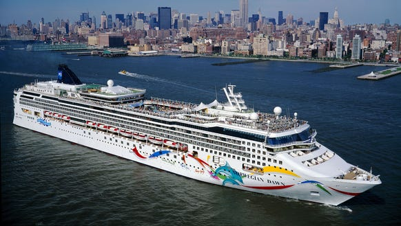 Norwegian Cruise Line Ship Runs Aground In Bermuda - Cruise ship bermuda