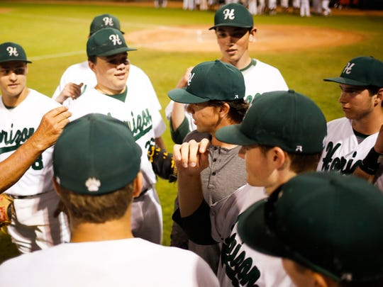 Arizona Diamondbacks catcher Tuffy Gosewisch talks to the Horizon High School baseball team before their game after having his number retired at Horizon High School on Tuesday, March 15, 2016.