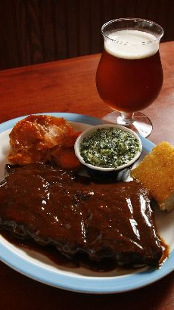 A platter of ribs featured on the menu at Memphis Mae's in Croton Sept. 14, 2006.