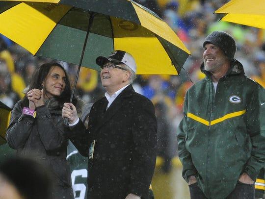 Deanna Favre looks back at her husband Brett Favre