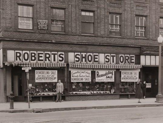 Roberts Shoe Store Minneapolis