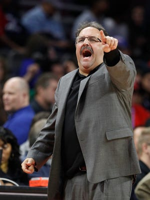 Detroit Pistons head coach Stan Van Gundy yells instructions to his players late in the second half of their 104-87 loss to the San Antonio Spurs on Wednesday.
