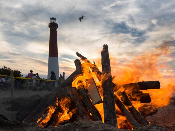 Barnegat Light Summer Campfire to kick off the summer season run by Ocean County Parks System. Islander photos in Barnegat Light,  NJ on June 29, 2014.    Photo by Peter Ackerman