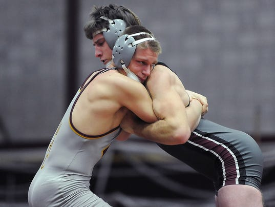 Wrestling: Menomonee Falls at Central
