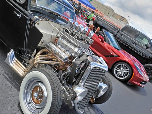 Fundraisers Tap Into Woodward Dream Cruise S Good Vibes