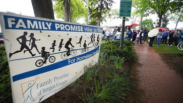 Walkers and bikers mobilize against homelessness