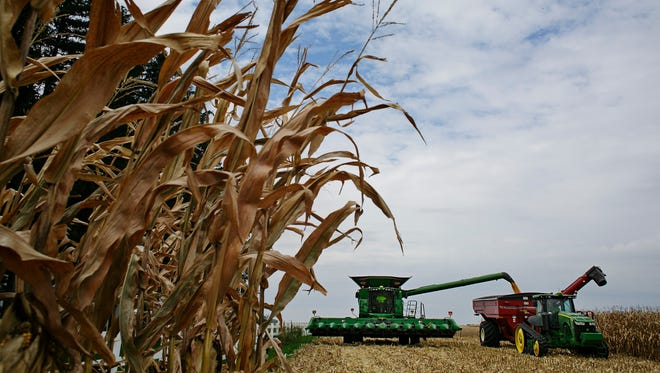 Iowa's economy is starting to show a few cracks that stem from the lagging agricultural sector.