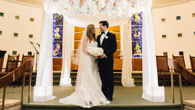 Dina Finer and Jonathan Gluck married on Nov. 7, 2015, in Tulsa at a 6:30 p.m. ceremony at Congregation B'nai Emunah.