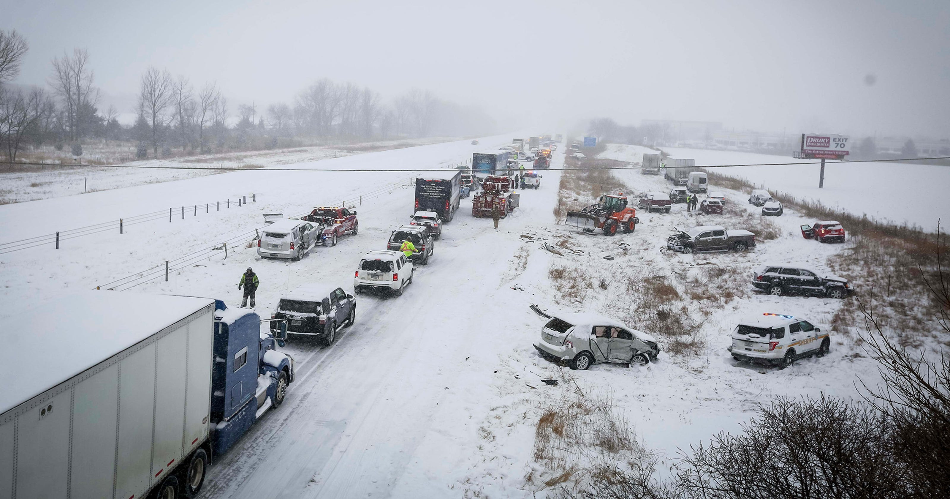Video captures deadly multi-vehicle pileup in Iowa