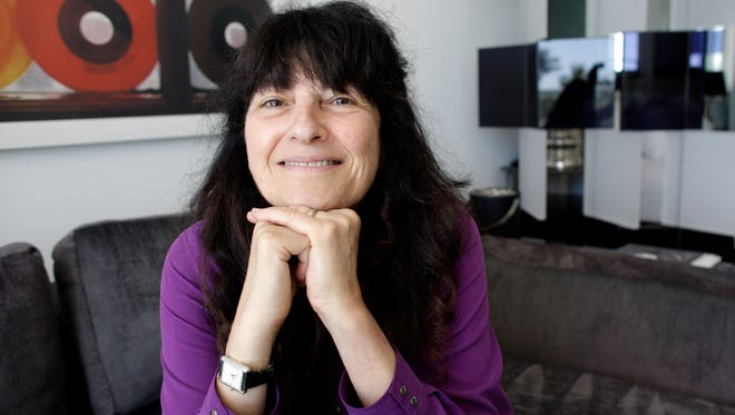 "Ruth Reichl, the former editor-in-chief of Gourmet magazine, will talk about ""Delicous!"", her first novel, March 10 in Battle Creek."