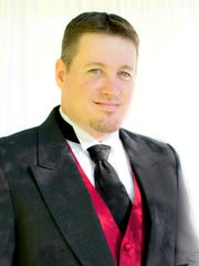 "Rob Walker is one of four soloists who will be featured in Festival Chorale Oregon's ""Cole Porter Celebration"" at 7:30 p.m. Saturday, May 14, at the Historic Elsinore Theatre."