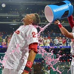 Altherr's walk-off double bails out Phillies' bullpen