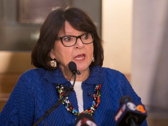 """""""Here we are in 2018, still talking about fairness,"""" Rep. Linda Lawson says. """"Why do we not treat the women of Indiana fairly?"""""""