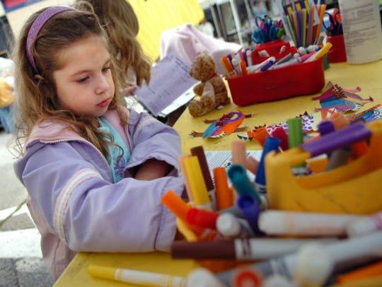 Kohl's Color Wheels brings art activities for kids