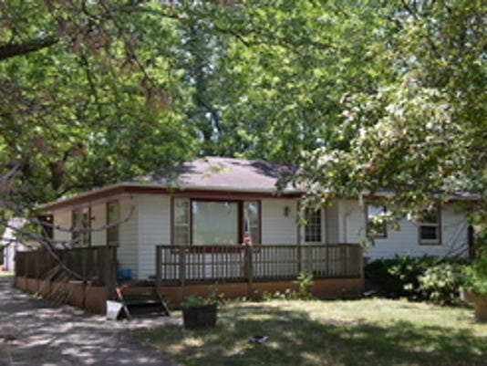 House in Saylor Township, 320 NW 54th Avenue