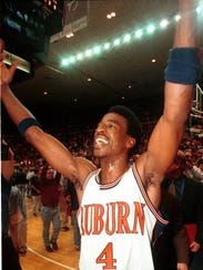 Chris Porter won 1998-99 SEC Player of the Year honors.