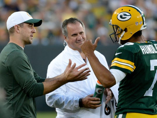 Green Bay Packers quarterback Aaron Rodgers advises