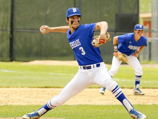 Mike Limoncelli delivers a pitch for Horseheads during