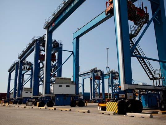 XXX green ports-040