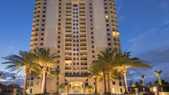 Suffolk has completed the construction of Altaira, Lennar's new 21-story tower in The Colony Golf &  Bay Club.