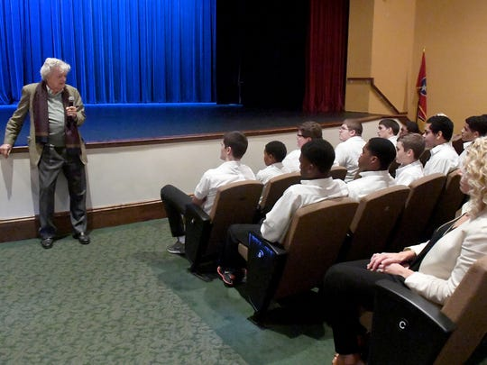 Hal Holbrook speaks to Carol Academy students during his visit to The Dixie Performing Arts Center, Monday, November 6.