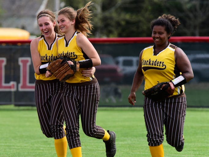 Old Fort softball defeats St. Mary Central Catholic