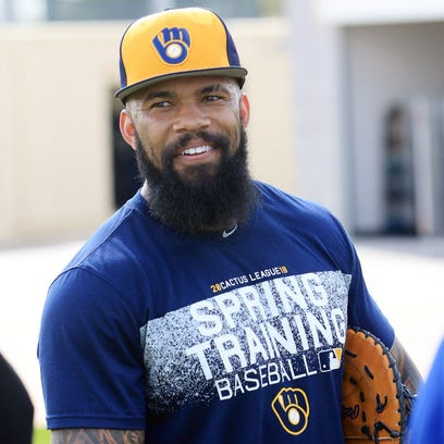 Brewers first baseman Eric Thames had a roller-coaster