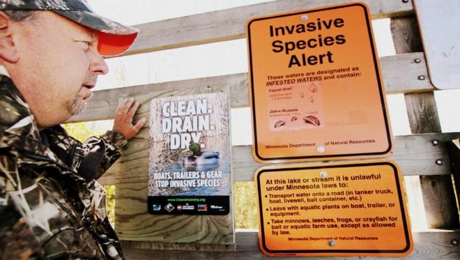 Waterfowl hunters are reminded to clean, drain and dry to fish invasive species