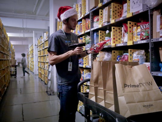 arizona retailers hiring for holidays