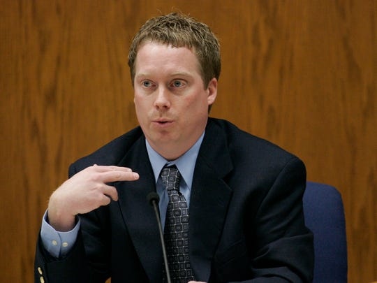 Manitowoc County Sheriff's Department investigator David Remiker said he was in Steven Avery's trailer for about five minutes and did not find any sign of Teresa Halbach when investigators first began their probe into Teresa Halbach's disappearance during testimony at  Calumet County Courthouse Wednesday, Feb. 21, 2007, in Chilton, Wis.  Avery is accused, along with his 17-year-old nephew, of killing Teresa Halbach, 25, after she went to the family's rural salvage lot to photograph a minivan they had for sale.  (AP Photo/Sheboygan Press, Bruce Halmo)  POOL