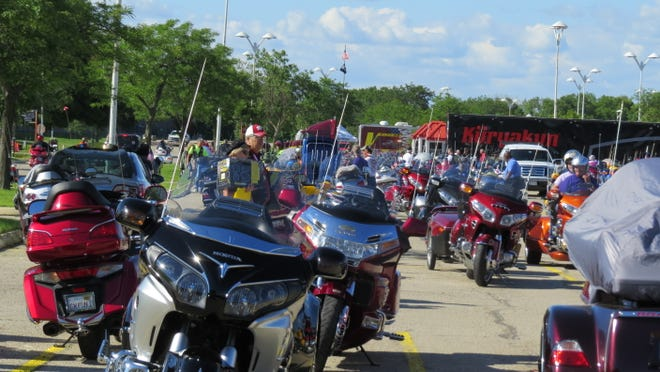 An outing is enjoyed by GoldWing members.