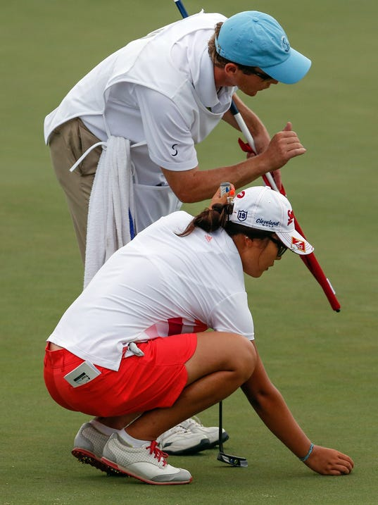 Lydia Ko gets ready for first golf competition like a pro