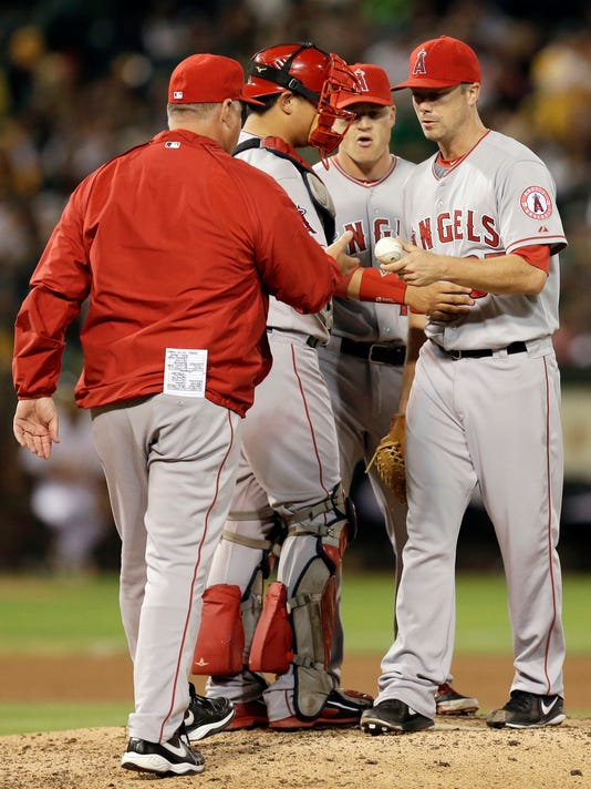 LeBlanc makes case to stick around with Angels