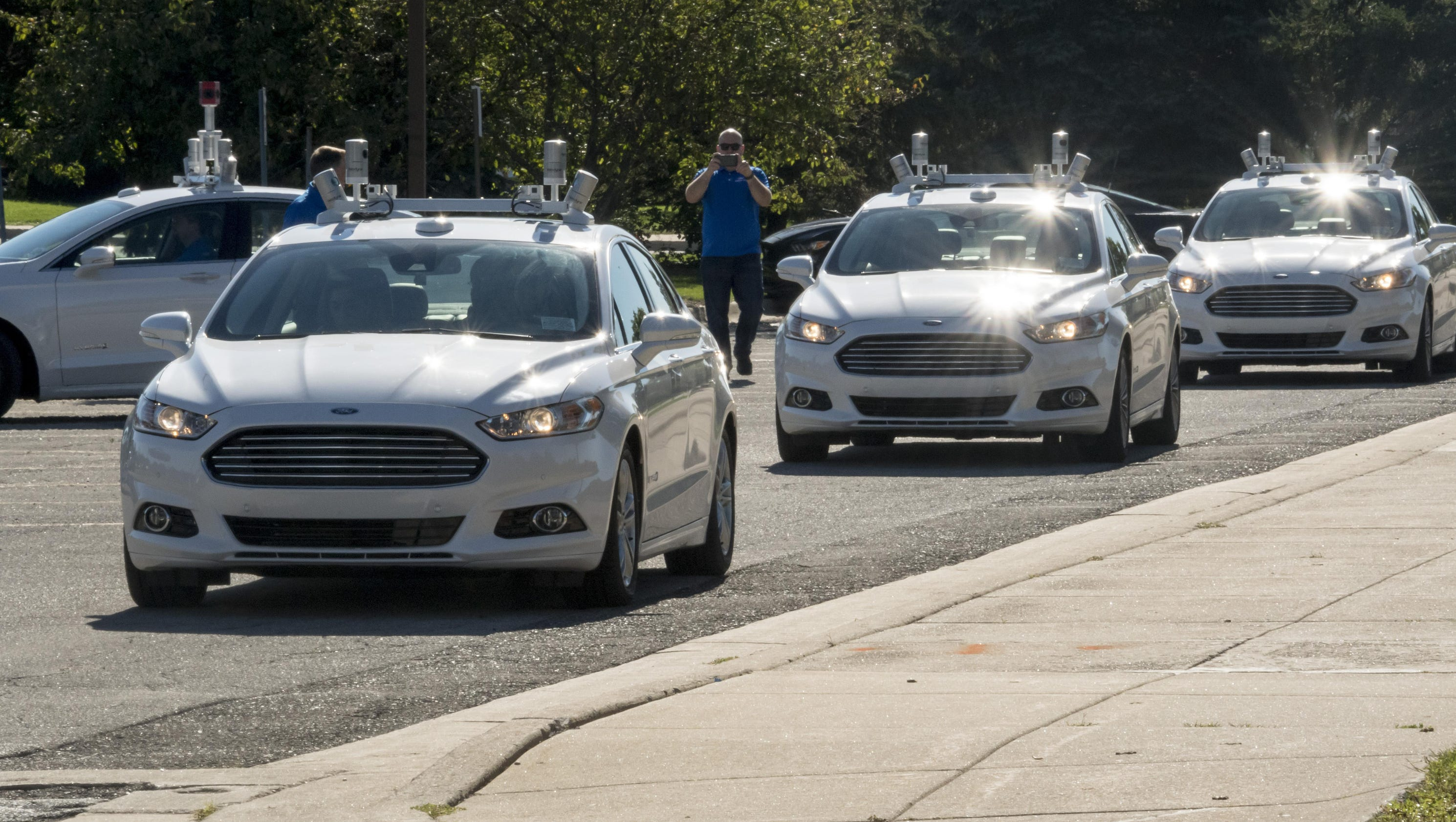 Ford workers to get 1st crack at robot cars for Ford motor company employee login
