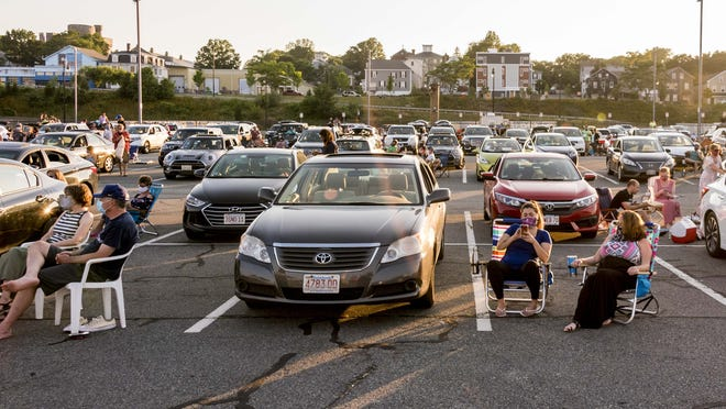 Whale's Tooth parking lot was filled for the Zeiterion Drive In Concert with Ryan Montbleau.