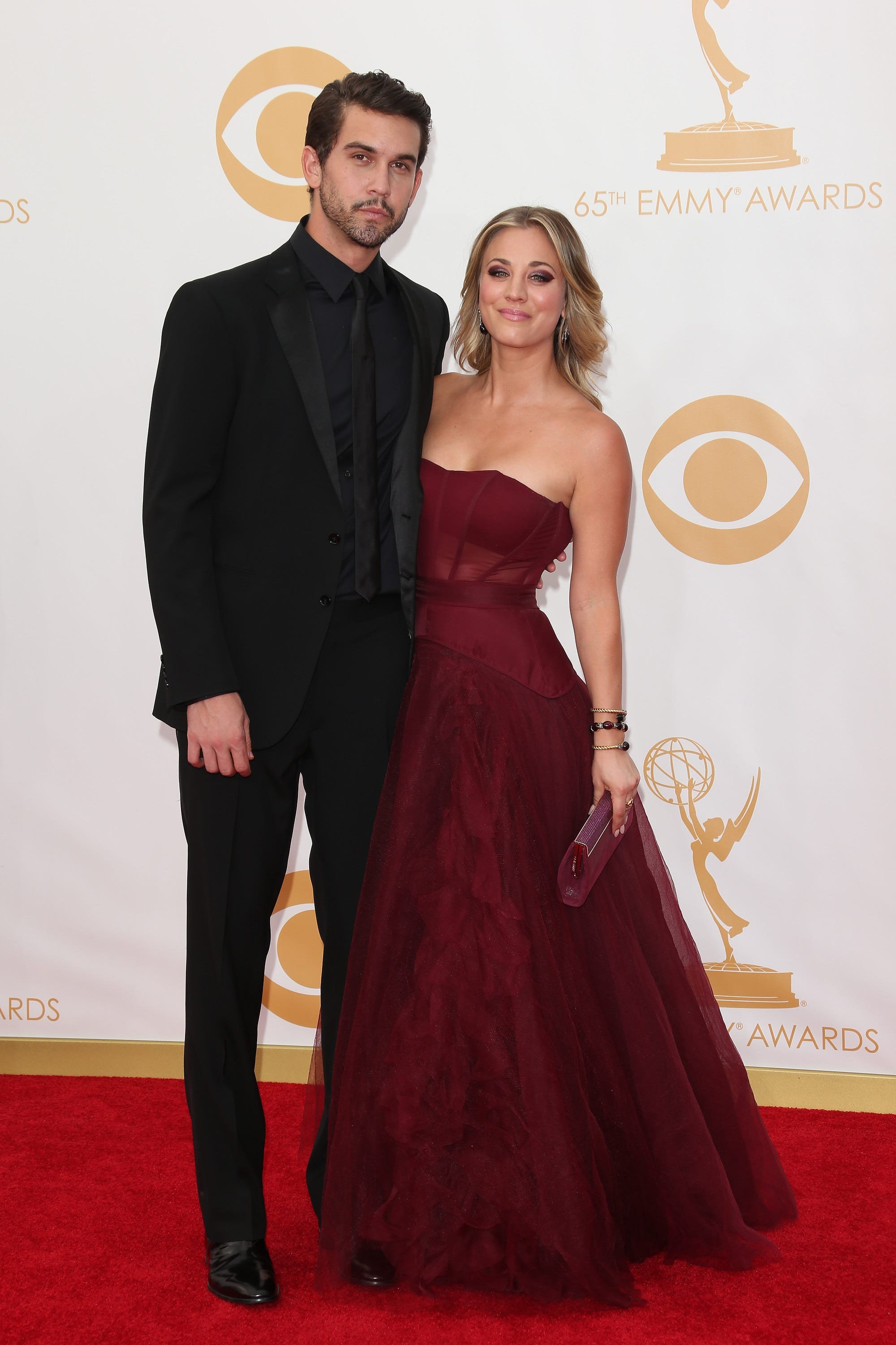 Kaley Cuoco has New Yearu0027s Eve wedding